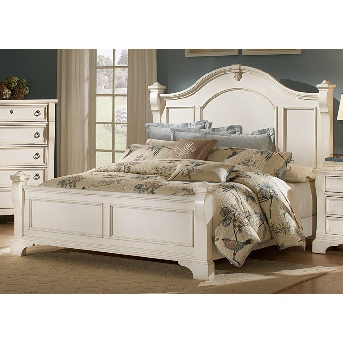 Heirloom Wood Bed - Antique White, Posts, Bracket Feet - AW-2910-BED