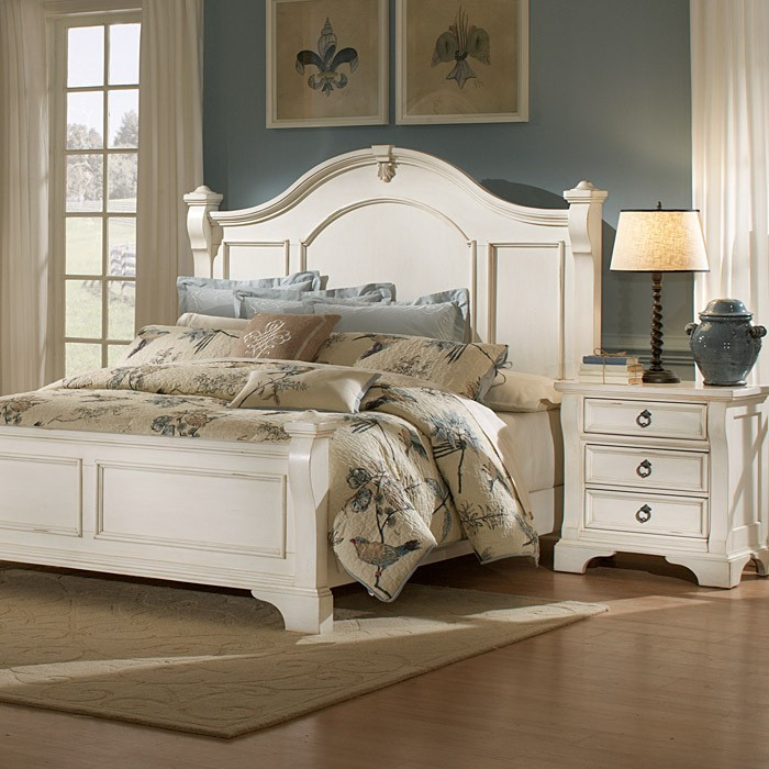 Heirloom bedroom set antique white posts bracket feet - White vintage bedroom furniture sets ...