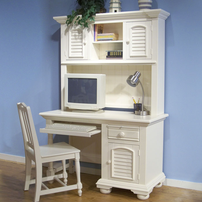 Cottage Traditions Youth White Desk and Hutch