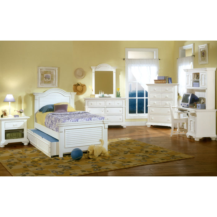Cottage Traditions Youth Panel Bed in Eggshell White - AW-6510-XPAN