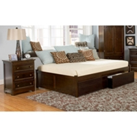 Concord Country Style Bedroom Set w/ Flat Panel Footboard Bed