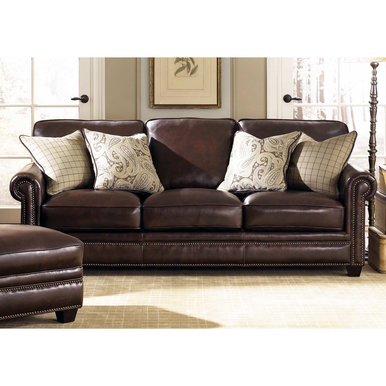 Lamesa traditional leather sofa rolled arms stampede for Traditional leather furniture
