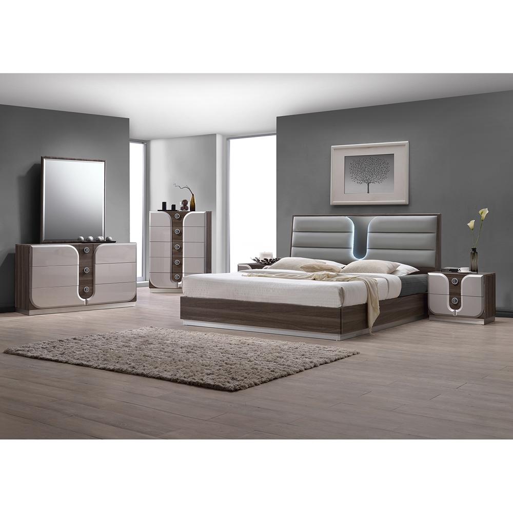 Master Bedroom Area Rugs Led Strip Lighting Bedroom Bedroom Design Pakistan Bedroom Interior As Per Vastu: Upholstered Headboard, LED Light