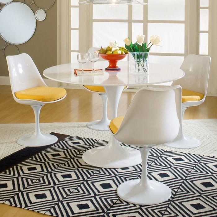 Lippa saarinen 5 piece dining set fiberglass table for Table 52 botswana
