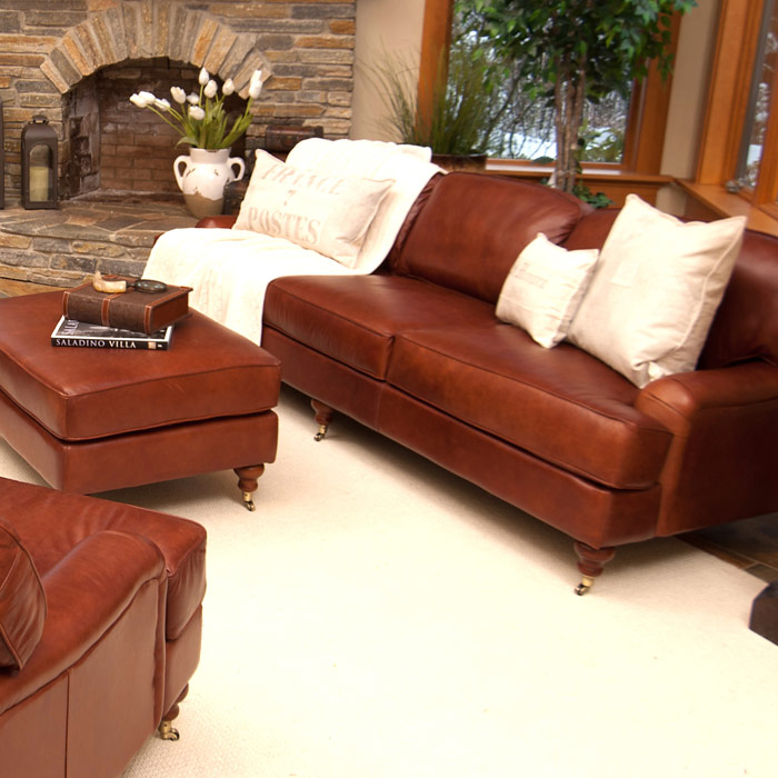 Cambridge 4 piece leather living room set in acorn dcg for Home decor furniture cambridge oh