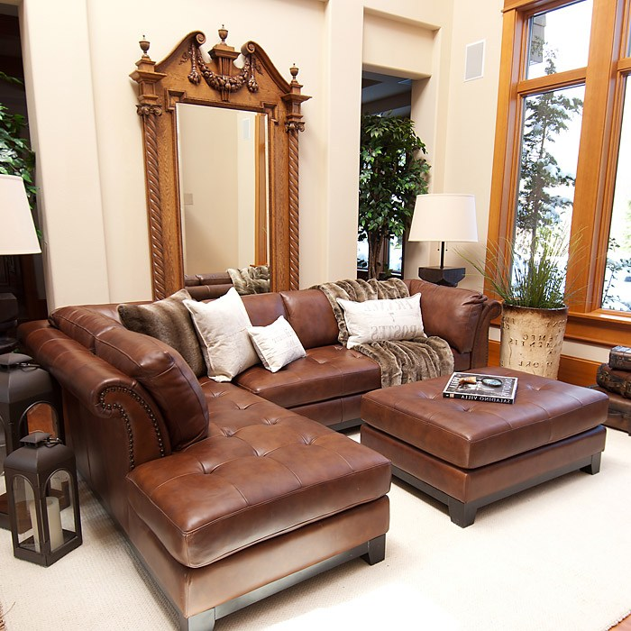 Corsario Leather Sectional With Left Facing Chaise And