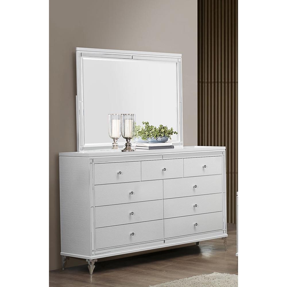 Catalina Bedroom Set In Metallic White