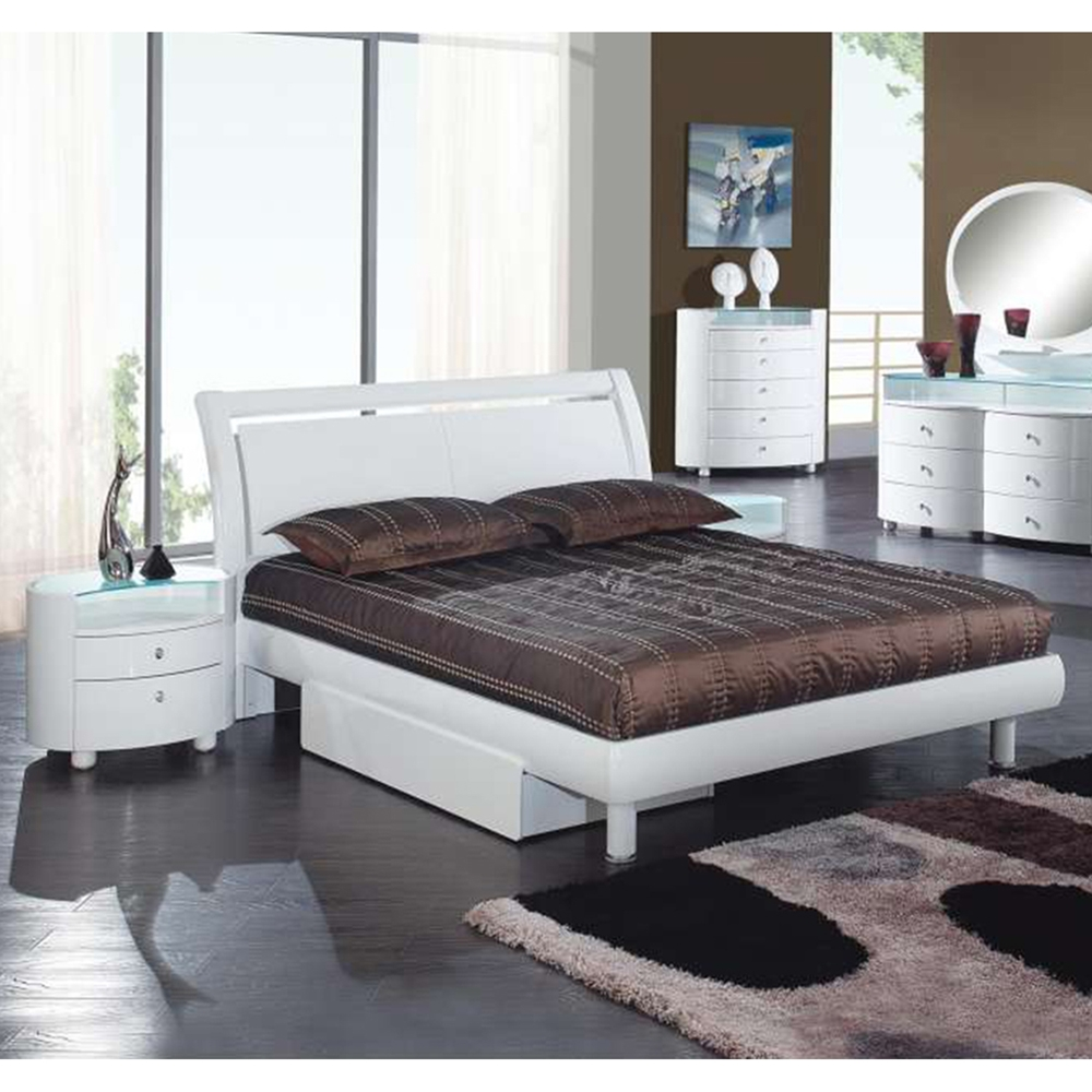 Emilie Bedroom Collection: Emily Bedroom Set In White