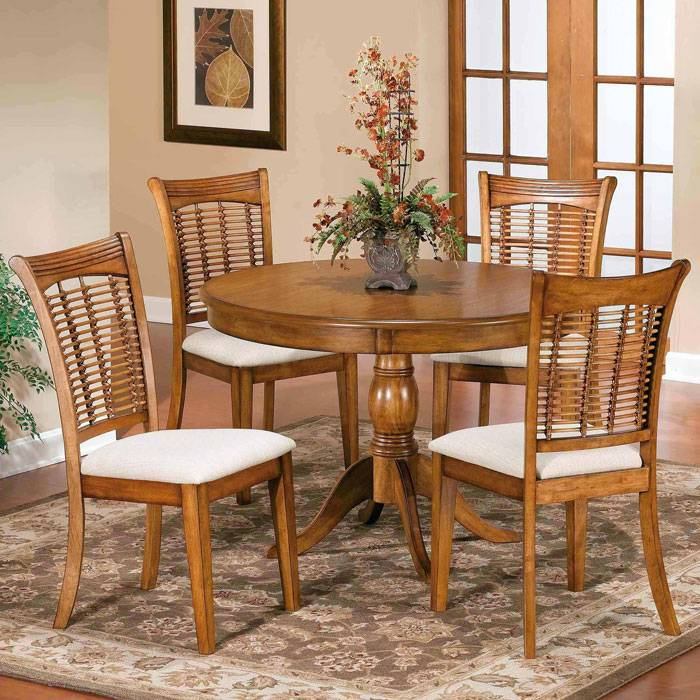 Bayberry Round Dining Table with 4 Wicker Chairs - HILL-47XDTBCRND