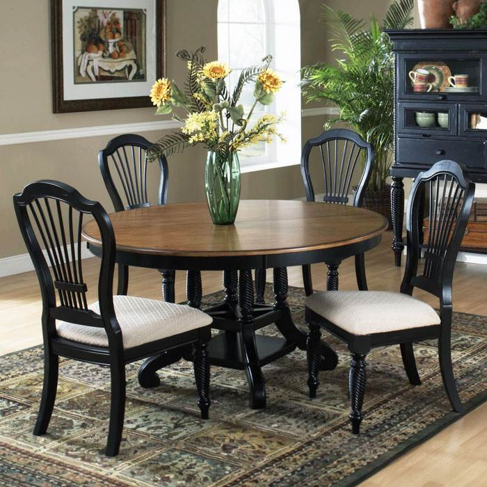 Wilshire Round Extension Dining Table and Chairs
