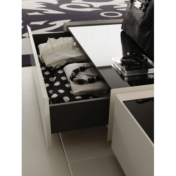 White Downtown Bed with Nightstands - ROS-T2866023XXI01-3S