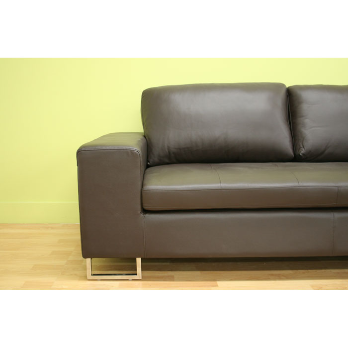 Jethro medium brown leather sectional with chaise dcg stores for Brown leather sectional chaise