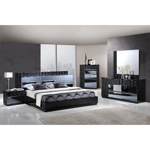 Manhattan Bedroom Set in High Gloss Black
