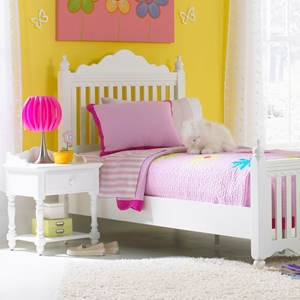 Lauren 4 Piece Post Bedroom Set